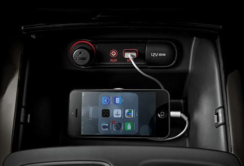 اتصالات کمکی USB و iPod